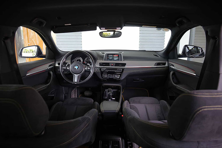 BMW Xe giam ky luc tai Viet Nam, chi con 1,5 ty dong-Hinh-6
