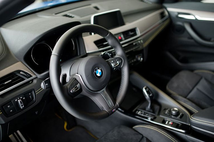 BMW Xe giam ky luc tai Viet Nam, chi con 1,5 ty dong-Hinh-7