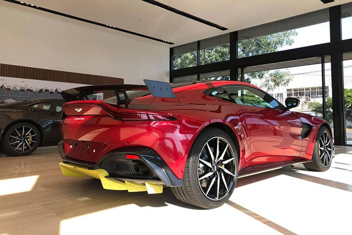 Chi tiet Aston Martin V8 Vantage gan 17 ty cua dai gia Minh Nhua-Hinh-8