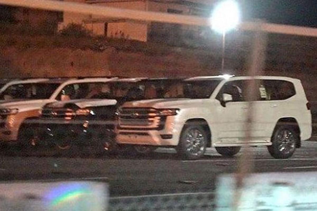 Toyota Land Cruiser 2022 lo dien hoan toan, cho ngay ra mat
