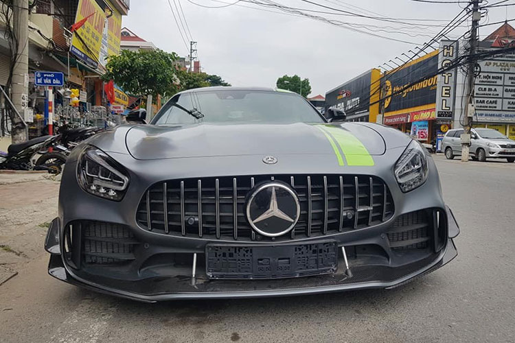 Dai Gia Binh showed off the brand new Mercedes-AMG GT R Pro-Hinh-8