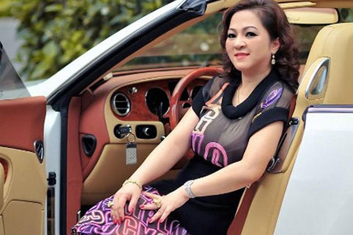 Dan xe Rolls-Royce, Bentley tram ty cua ba Nguyen Phuong Hang-Hinh-10