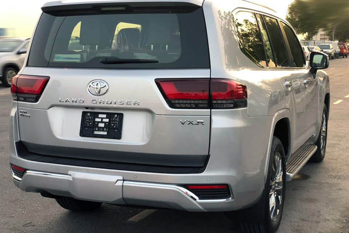 Ly do Toyota Land Cruiser 2022 nhap dat hon chinh hang 2 ty dong?-Hinh-8