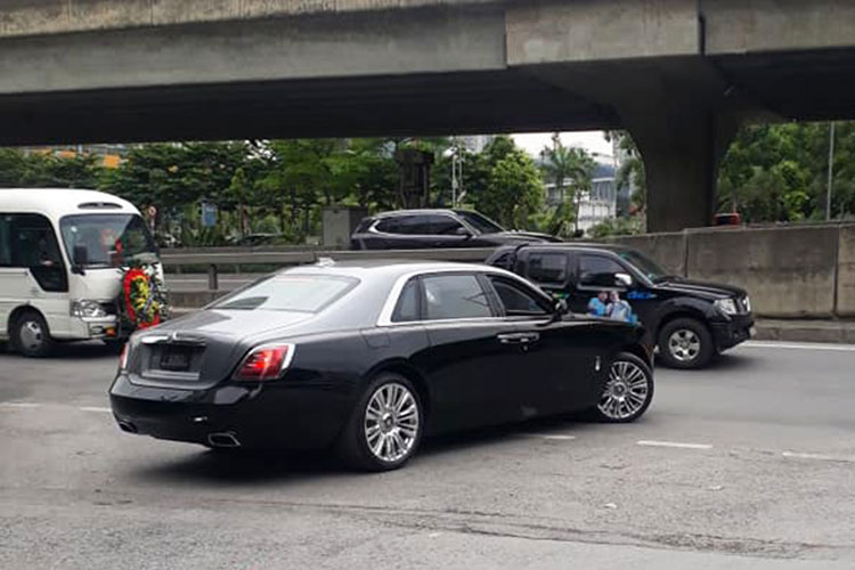 Can canh Rolls-Royce Ghost EWB 2021 hon 40 ty dau tien tai Ha Noi-Hinh-4
