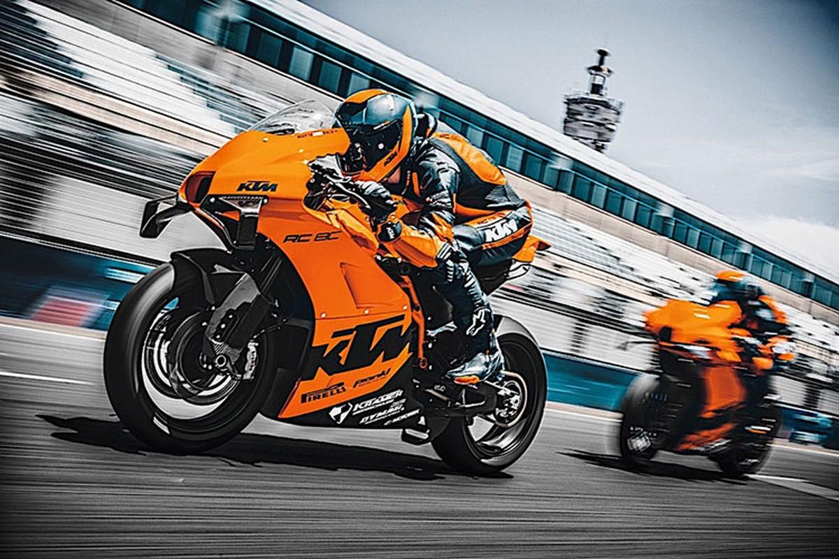 KTM RC 8C gan 900 trieu dong
