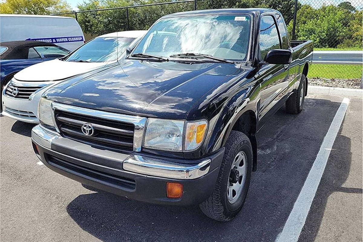 Hon 200 dai ly oto tranh gianh mua Toyota Tacoma cu 23 nam tuoi-Hinh-10