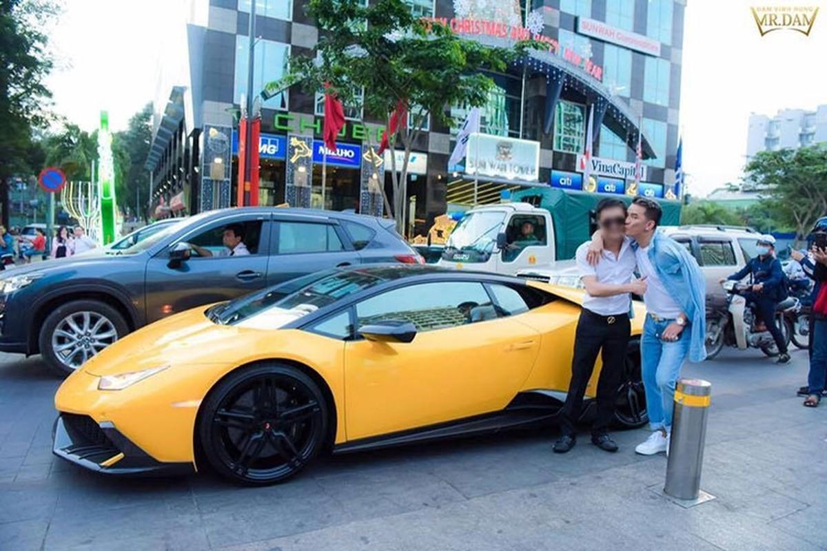 Dam Vinh Hung co Rolls-Royce chuc ty nhu ba Nguyen Phuong Hang?-Hinh-5