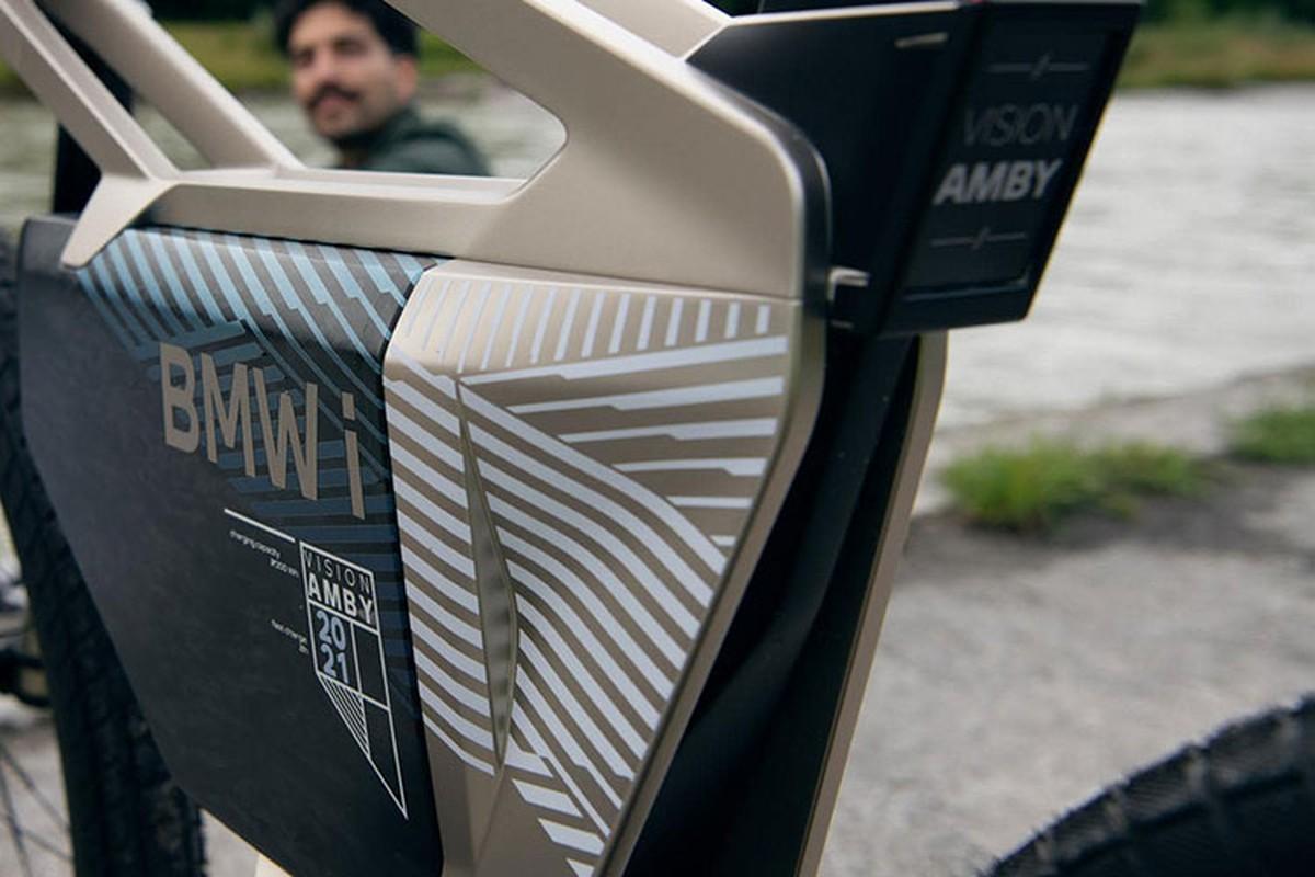 BMW i Vision Amby - xe dap dien mo khoa bang guong mat-Hinh-6