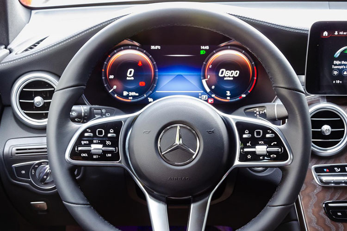 Tien ve Phan Van Duc tau Mercedes-Benz GLC hon 2 ty dong-Hinh-7