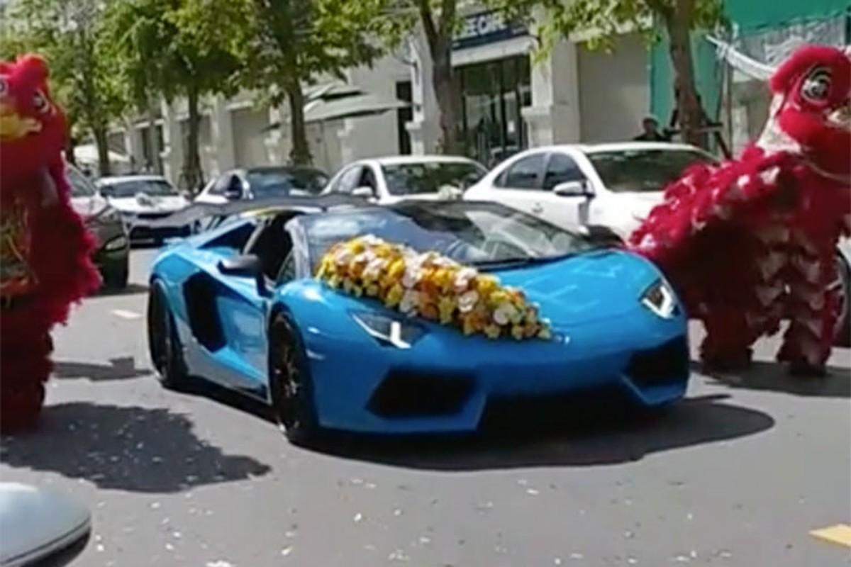 Lamborghini cua dai gia Hai Phong keo dan Kia Cerato di hoi vo-Hinh-2