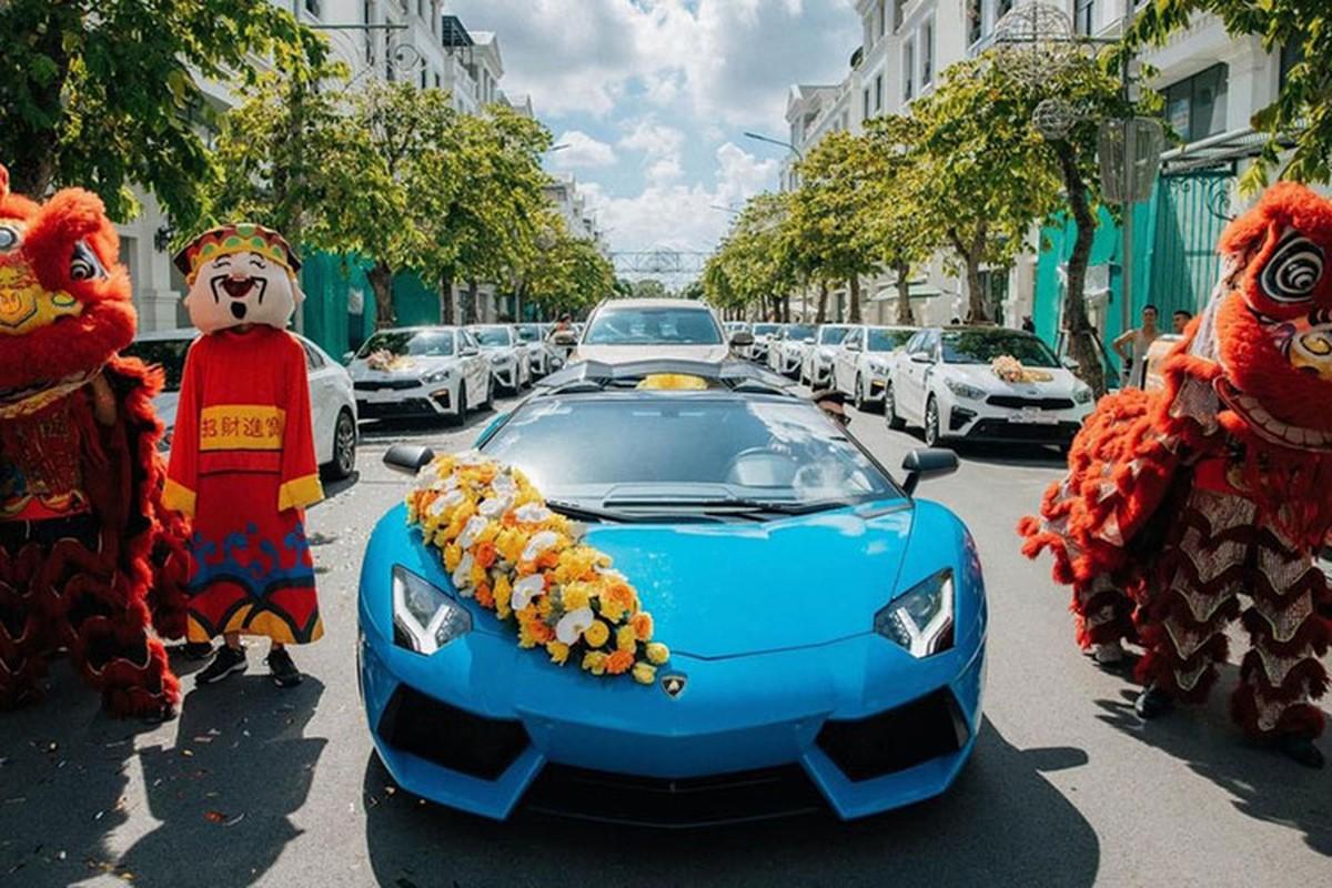 Lamborghini cua dai gia Hai Phong keo dan Kia Cerato di hoi vo