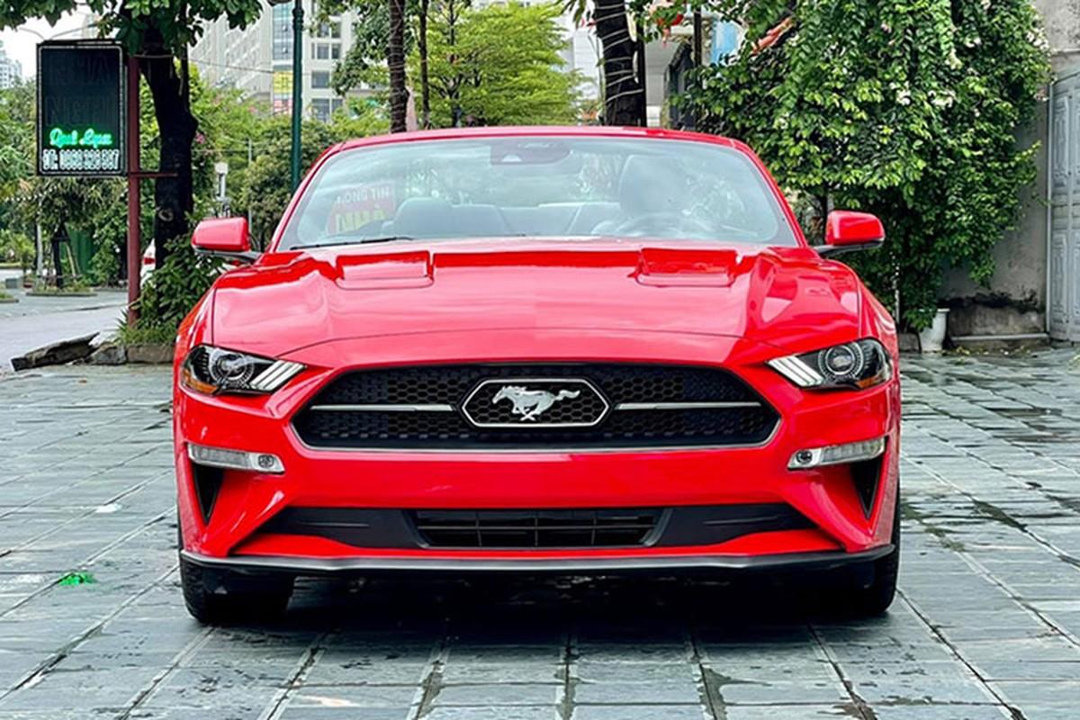 Ford Mustang hon 3 ty lam dau dat cang so huu bien