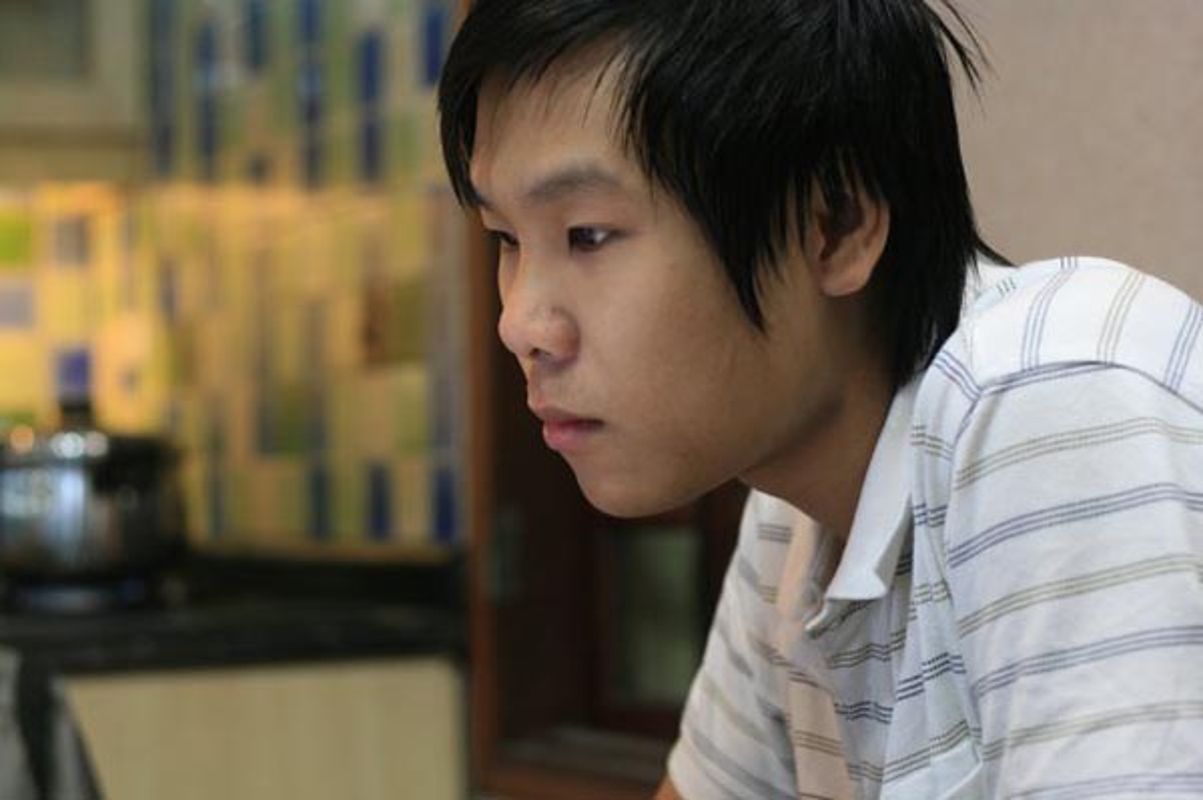 Than the nguoi dan ong dung sau giup Toc Tien toa sang-Hinh-4