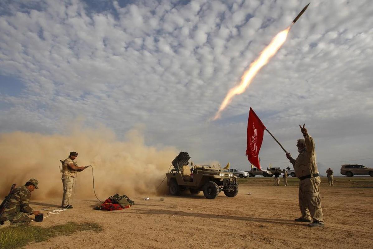 IS bi don danh tren nhieu mat tran o Iraq