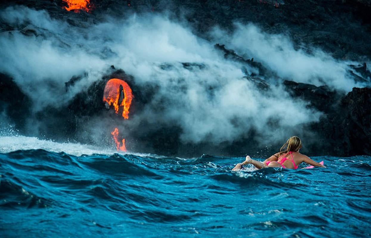 Nguoi dep bikini mao hiem luot song canh nui lua phun trao-Hinh-8