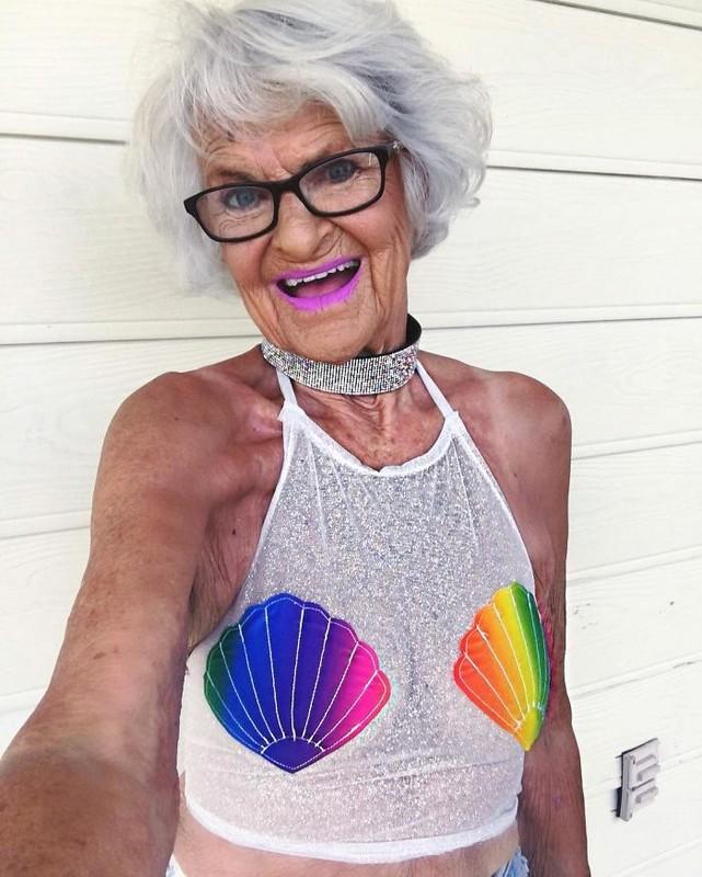 Cu ba 88 tuoi an dien nhu gai tre gay sot mang-Hinh-12