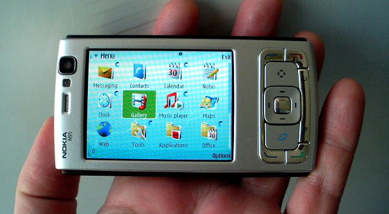 5 smartphone mot thoi khien dan Viet Nam me man-Hinh-9
