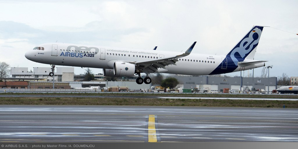 Can canh may bay Airbus A321neo Vietnam Airlines vua thue-Hinh-6