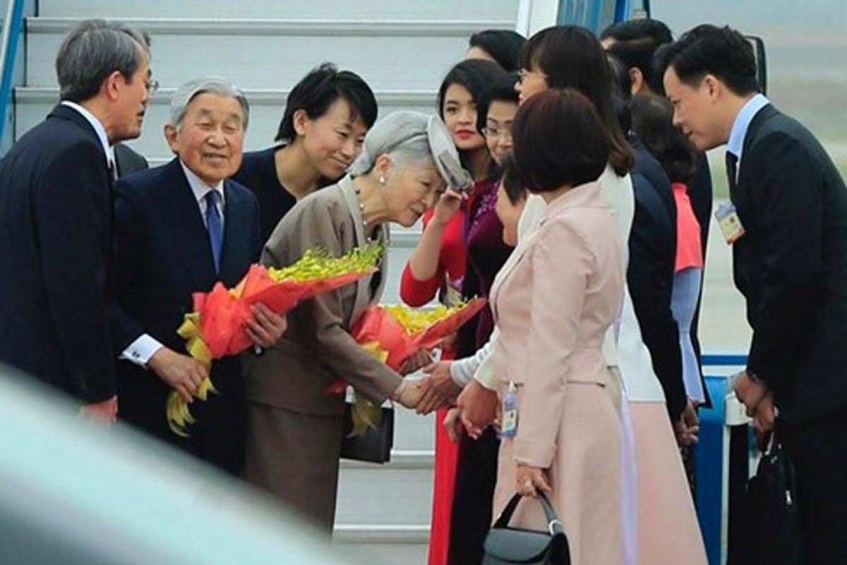 Anh: Nha vua va Hoang hau Nhat Ban than thien o Viet Nam-Hinh-10