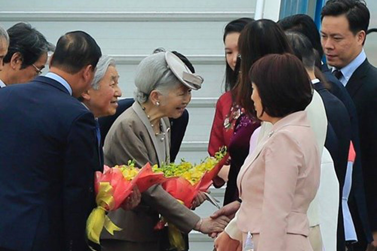 Anh: Nha vua va Hoang hau Nhat Ban than thien o Viet Nam-Hinh-4