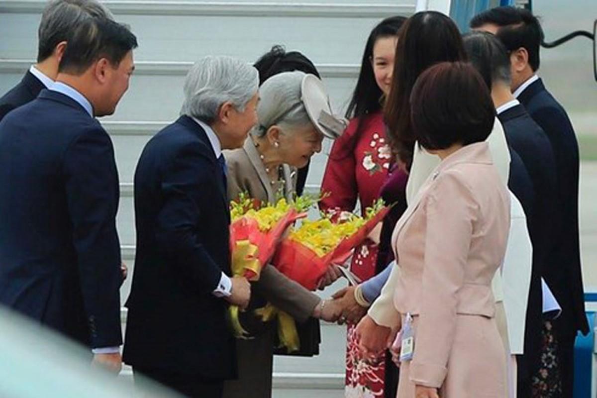 Anh: Nha vua va Hoang hau Nhat Ban than thien o Viet Nam-Hinh-7