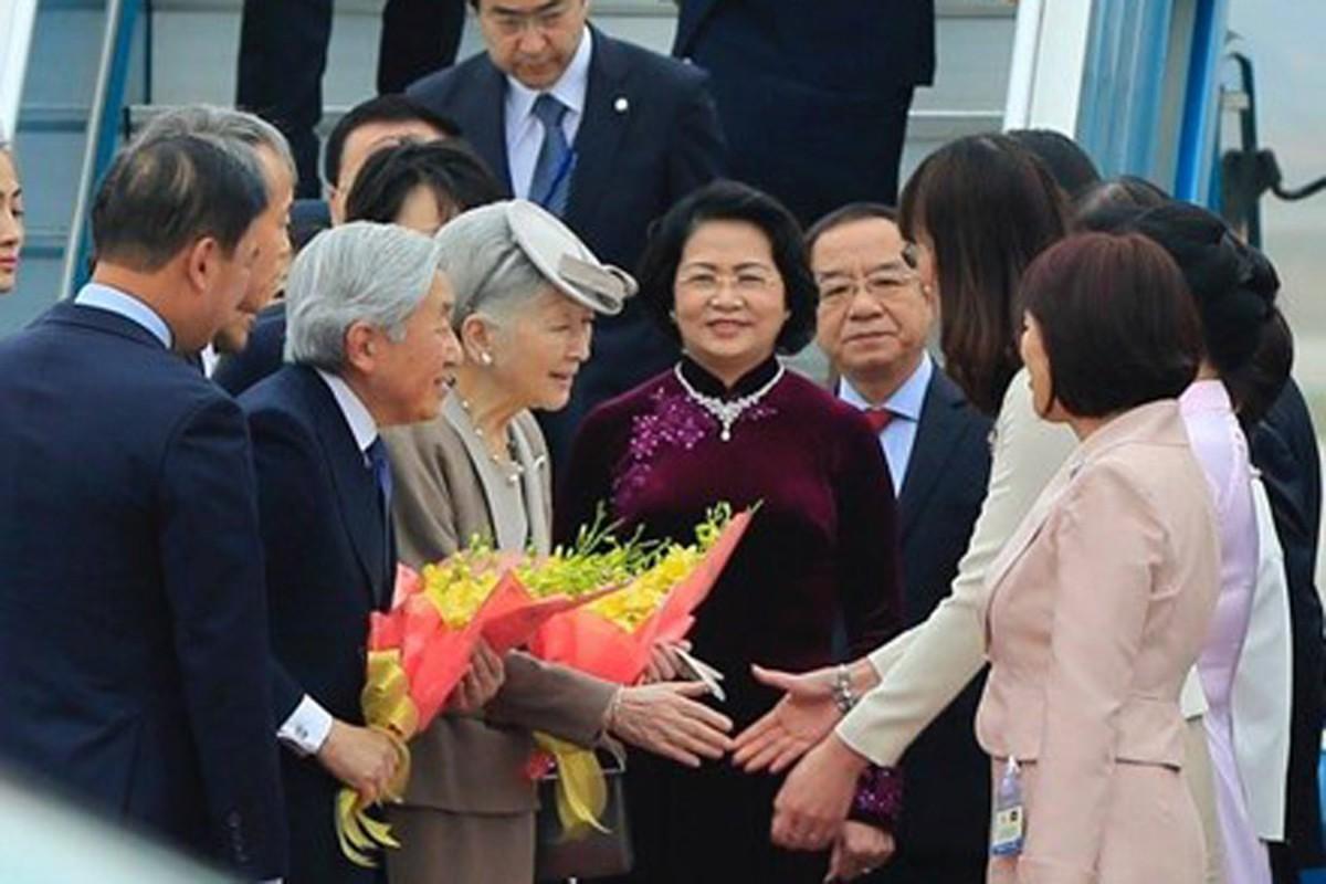 Anh: Nha vua va Hoang hau Nhat Ban than thien o Viet Nam