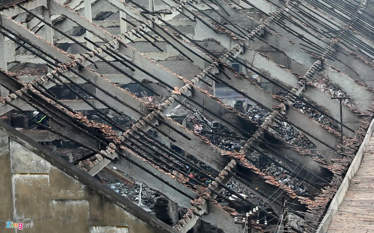 Anh: Canh tan hoang sau vu chay nha kho o cang Sai Gon-Hinh-11