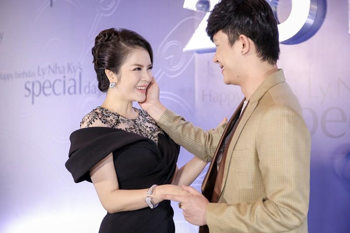 """Choang vang nhung bua tiec """"dot tien"""" cua Ly Nha Ky-Hinh-6"""