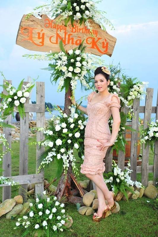 """Choang vang nhung bua tiec """"dot tien"""" cua Ly Nha Ky-Hinh-8"""