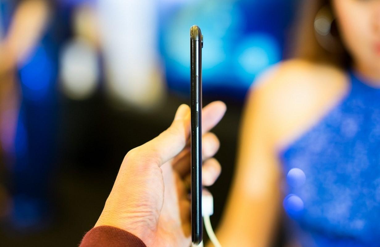 """Mo xe"" smartphone 4 camera dau tien o Viet Nam vua lo dien-Hinh-10"