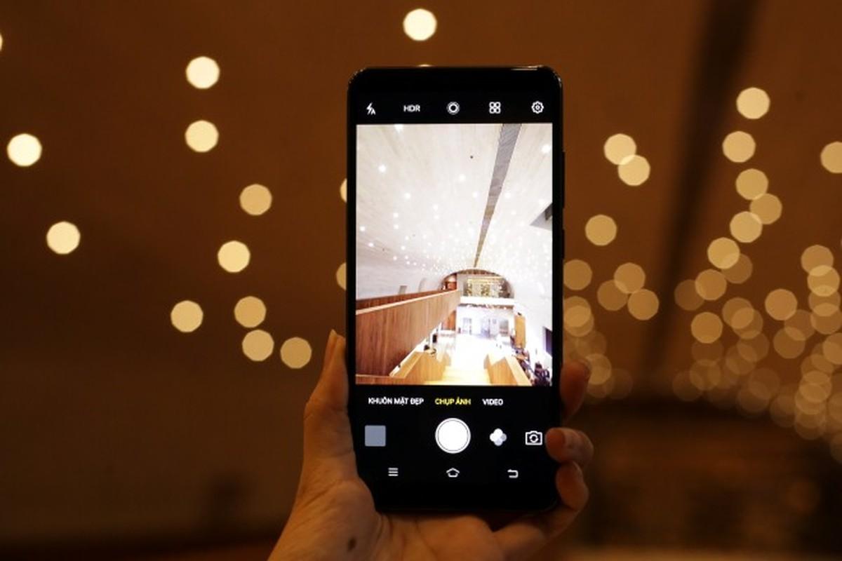 4 smartphone hap dan len ke trong thang 10-Hinh-6