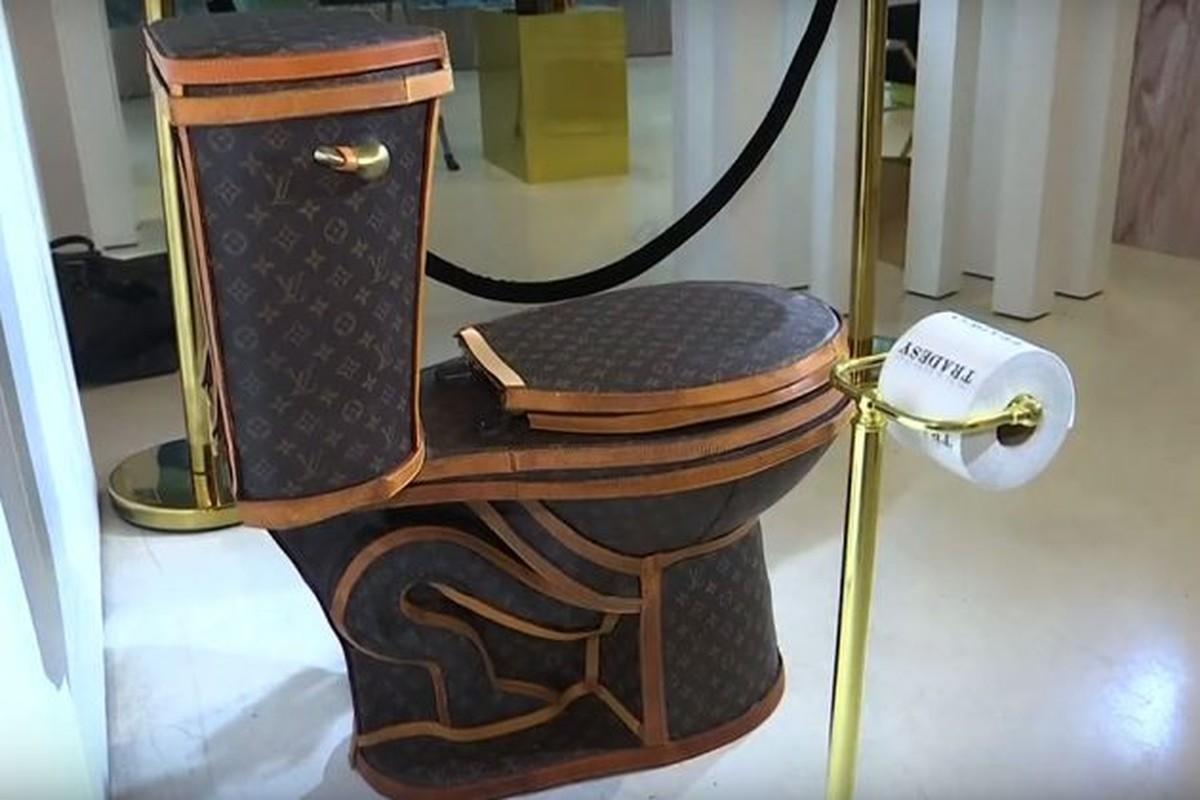 Choang vang bon cau boc tui Louis Vuitton gia hon 2 ty-Hinh-8