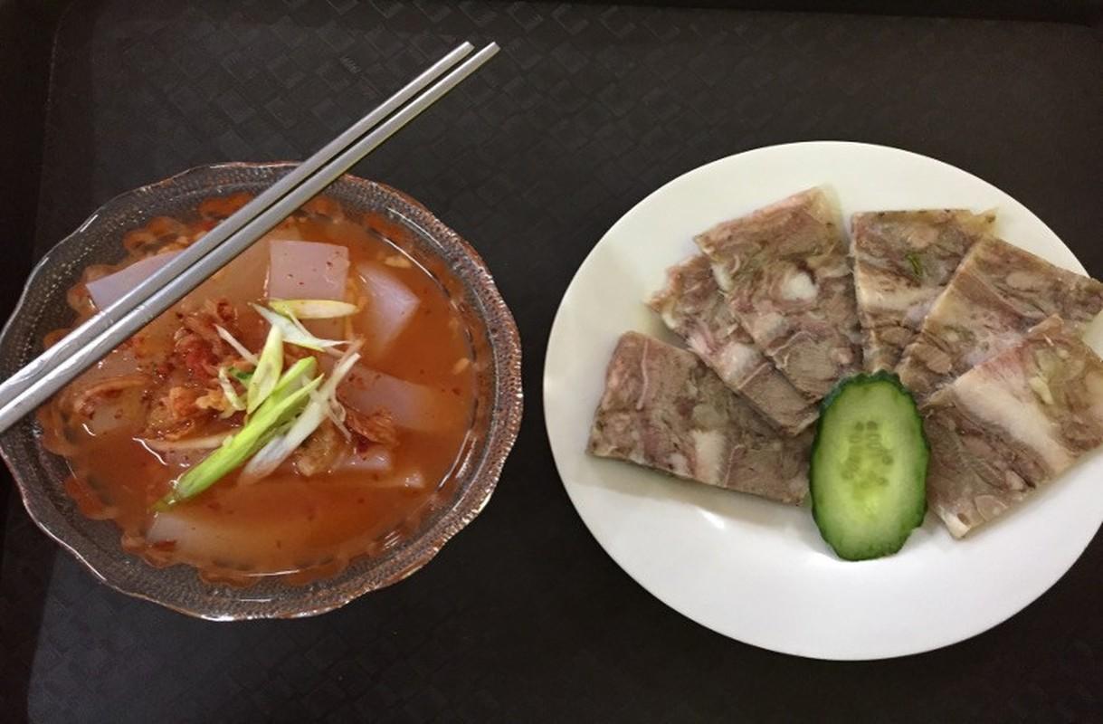 Ben trong sieu thi dau tien o Binh Nhuong cua Trieu Tien-Hinh-8
