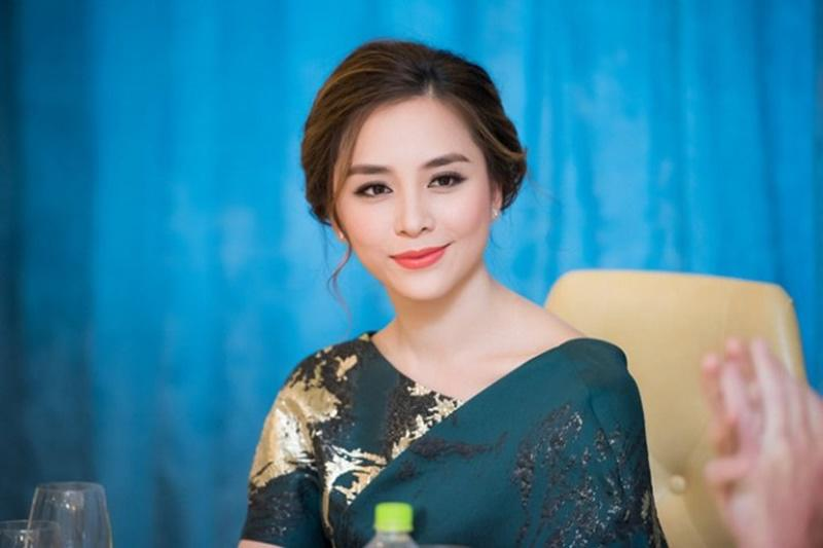 Biet thu vuon sieu dep cua A hau Duong Truong Thien Ly