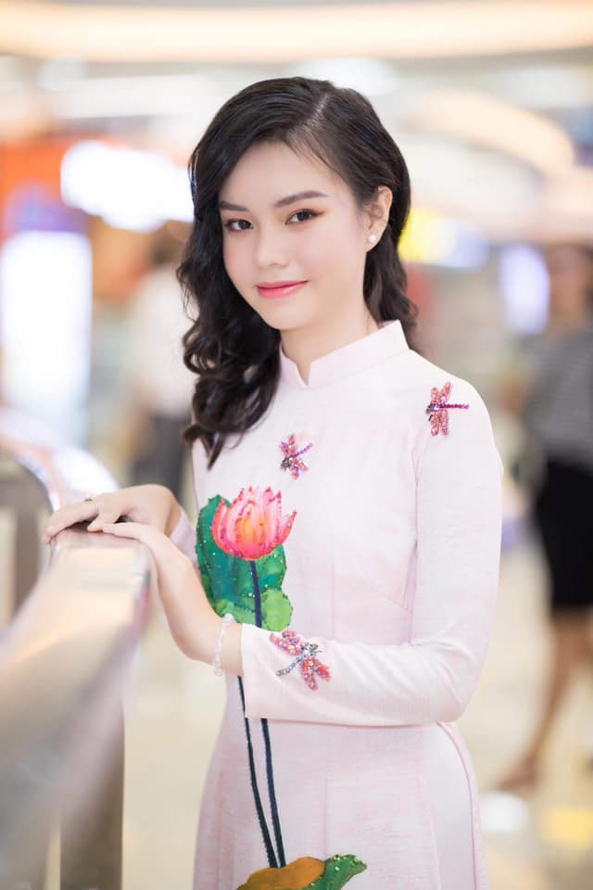 "Nhan sac ""xinh nhu mong"" cua co be 13 tuoi dong phim ""Vo 3""-Hinh-9"