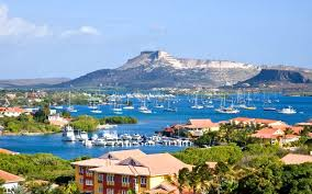 Curacao - Doi thu cua Viet Nam tai King's Cup: Giau khung co nao?-Hinh-7