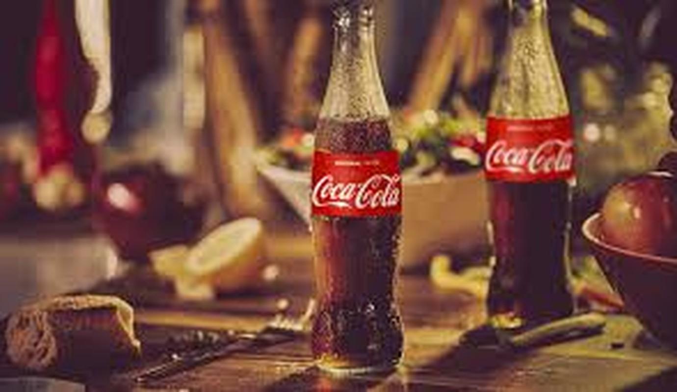 Coca-Cola quang cao phan cam, gay tranh cai: Chuyen khong chi xay ra o Viet Nam-Hinh-8