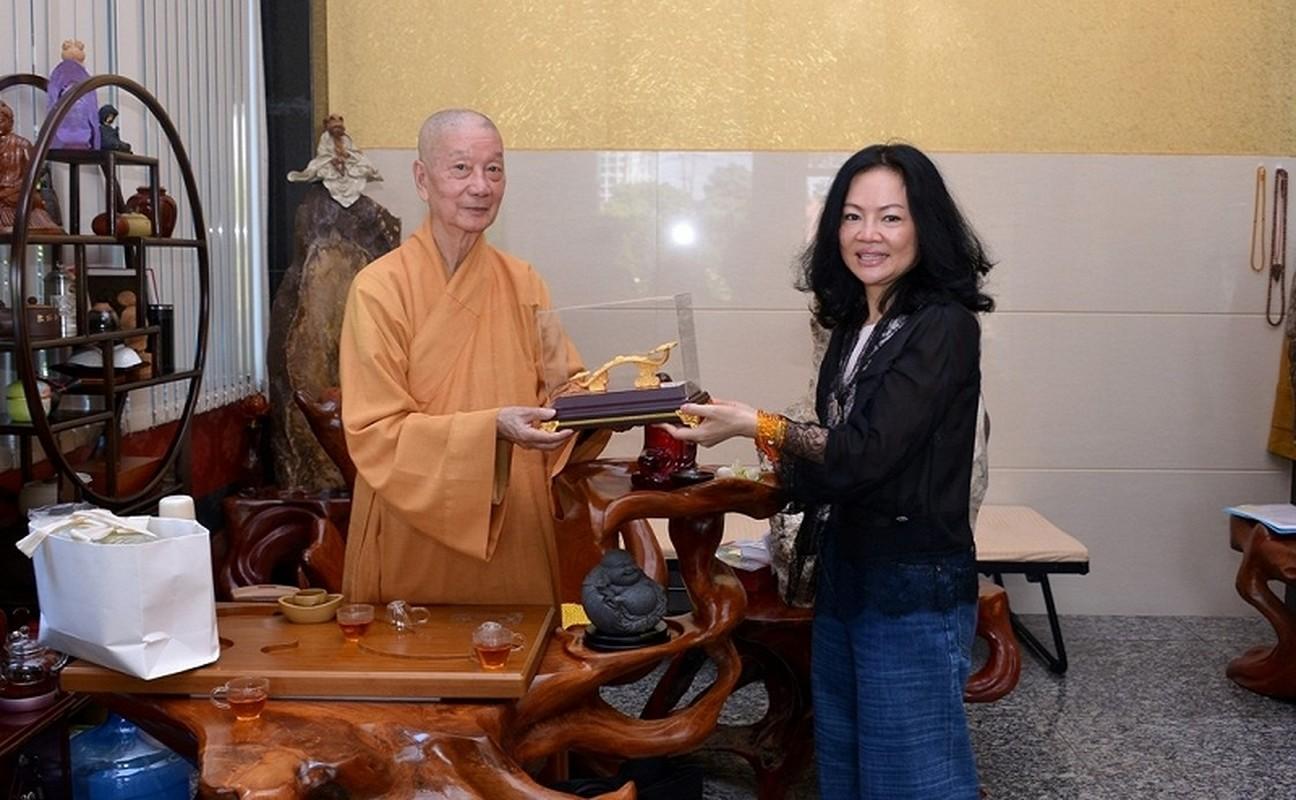 Nhung bong hong tai gioi, kin tieng dung sau su thanh cong cua cac ty phu Viet-Hinh-10