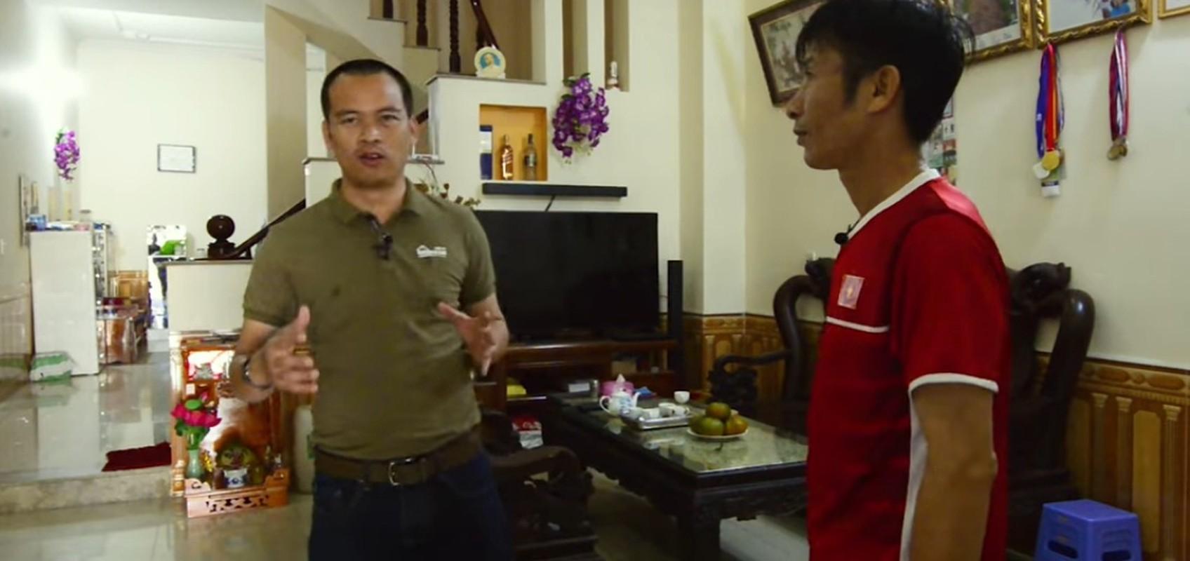 Ghe tham 2 can nha cua cau thu Phan Van Duc sap ket hon-Hinh-3