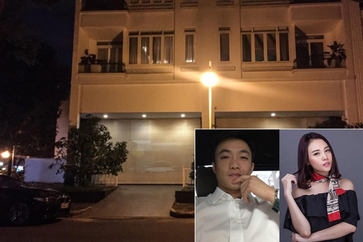 Khong gian ben trong biet thu cua Cuong Do La - Dam Thu Trang dip Giang sinh-Hinh-2