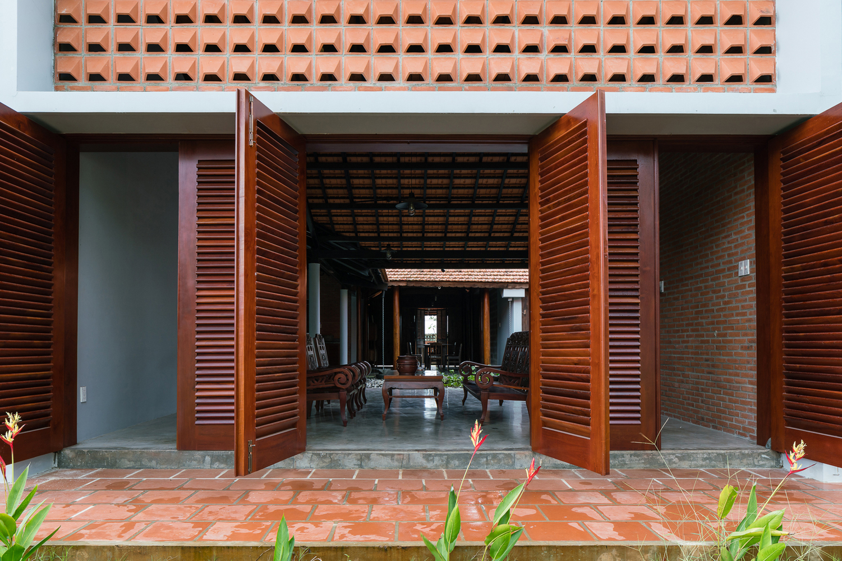 Ngam nha 3 gian hang nghin m2 ngo nhu resort cao cap o Tay Ninh tren bao ngoai-Hinh-8