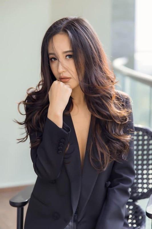 Khong chi xinh dep, Mai Phuong Thuy con gay noi song trong gioi dau tu the nay-Hinh-2