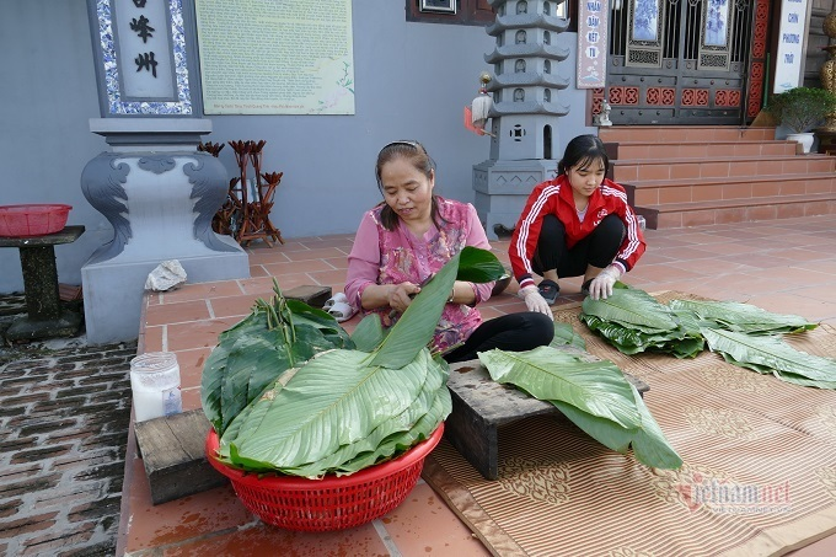 Lang san xuat banh chung Ha Noi tat bat ngay cuoi nam-Hinh-10