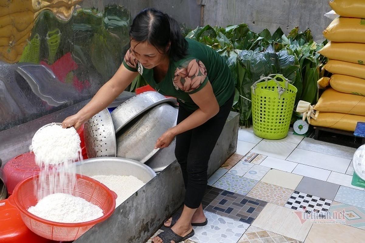 Lang san xuat banh chung Ha Noi tat bat ngay cuoi nam-Hinh-3