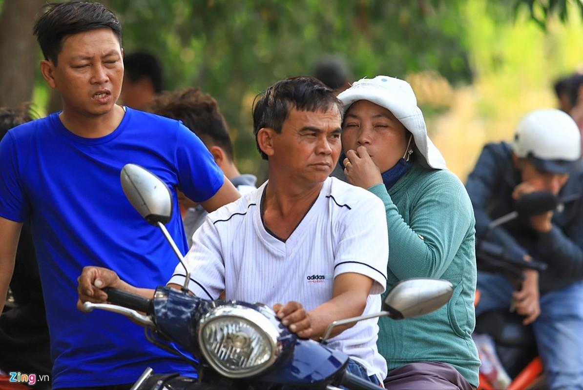 Dua ca nha di xem canh sat vay bat nghi can ban chet 5 nguoi-Hinh-12