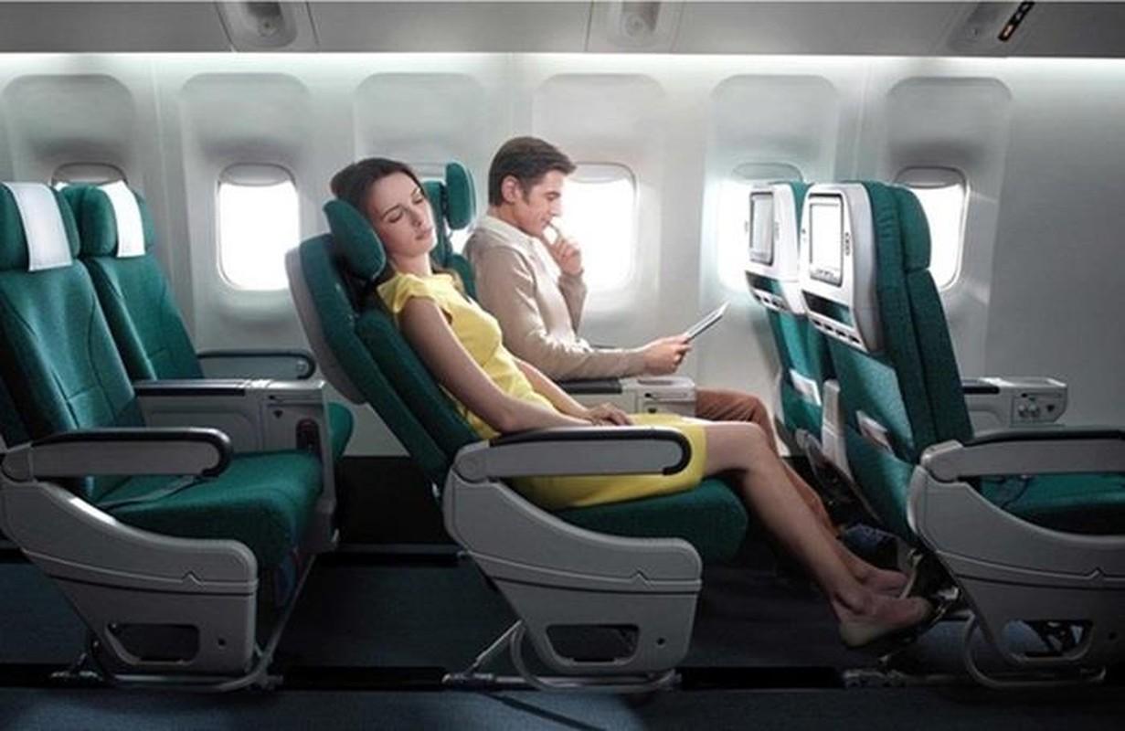 Chi tiet dong may bay vua gap su co no lop cua Vietnam Airlines-Hinh-7