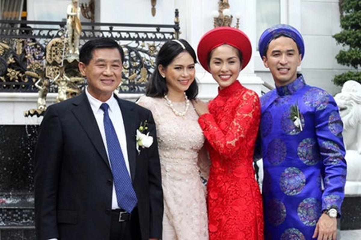 Gia dinh Tien Nguyen ung ho 6,2 ty chong Covid-19 hoa ra co tai san