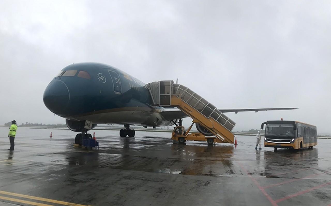 Vietnam Airlines, Bamboo Airways thuc hien bao nhieu chuyen bay dua cong dan ve nuoc?-Hinh-7