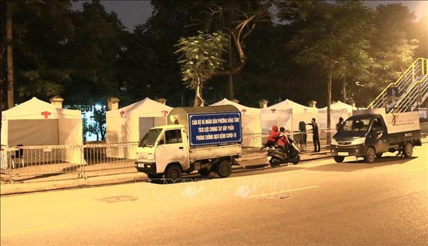 Dich COVID-19: Can canh tram di dong lay mau xet nghiem-Hinh-4