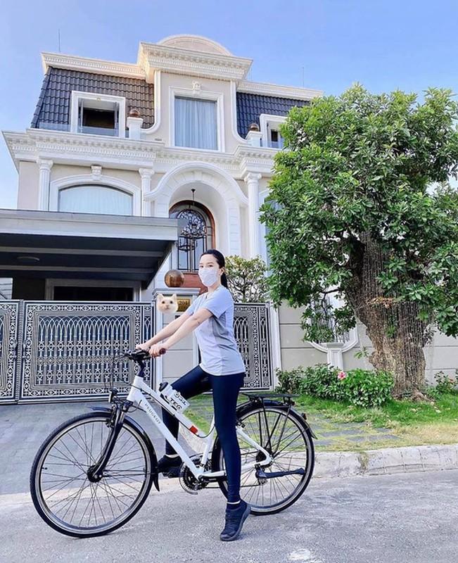 """Choang ngop canh ben trong biet thu nhu """"lau dai"""" Bao Thy dang song-Hinh-2"""